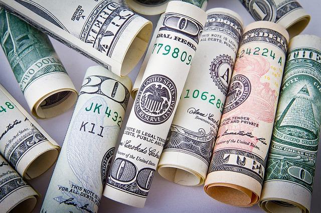 Trading binario: come scegliere il broker finanziario